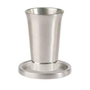 כוס קידוש עם צלחת