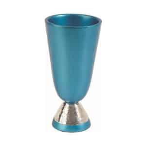 גביע קידוש כוס קידוש לשבת אנודייז עם רגלית רקועה עמנואל טורקיז